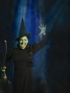 38c1b-82202_shoshana-bean-as-elphaba-in-wicked