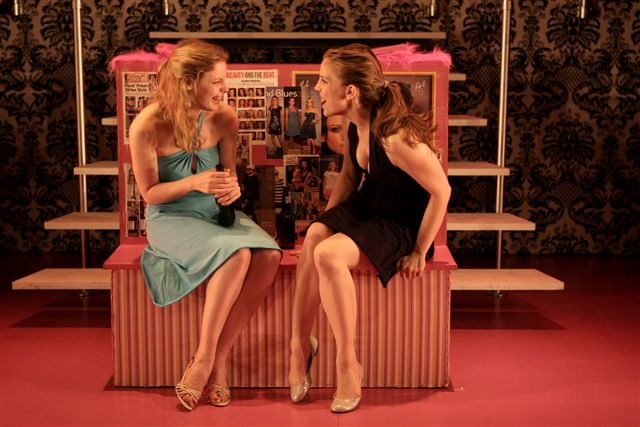 gillian_jacobs_and_anna_chlumsky_in_the_fabulous_life_of_a_size_zero_photo_by_monique_carboni_3